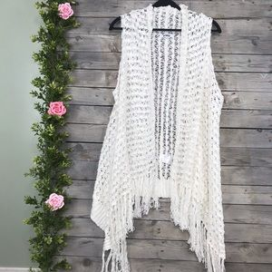 BB Dakota, Anthro | white knit sleeveless cardigan
